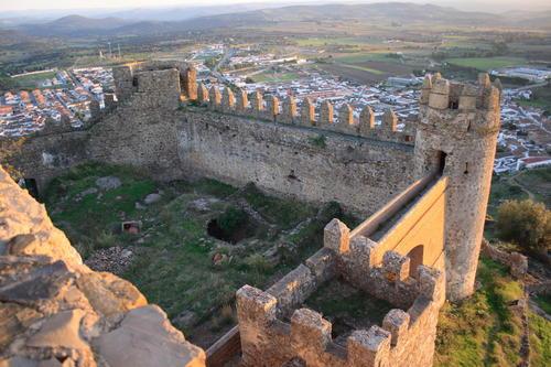 castillo-de-burguillos-del-cerro
