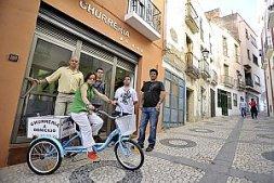 Churreria aaaAa en el casco antiguo de Badajoz.Foto: J.V. Arnelas