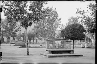 19303
