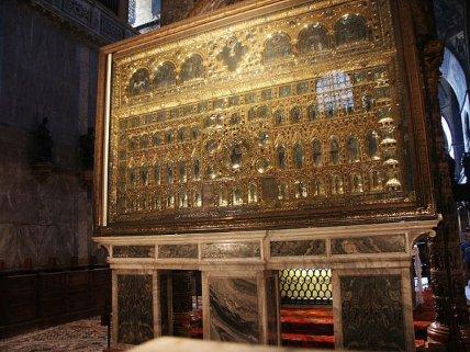 Pala d'Oro en el Museo de la Bas_lica de San Pedro en Venecia