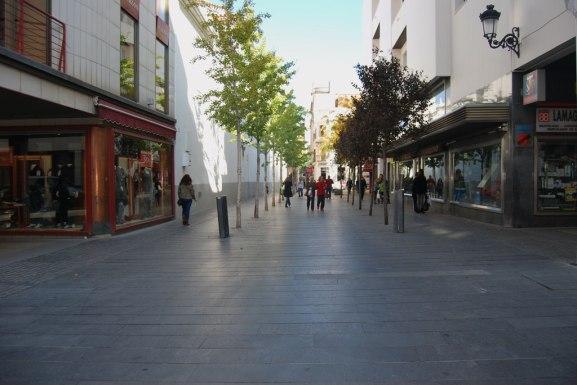 Granito_negro_en_Calle_Menacho_de_Badajoz
