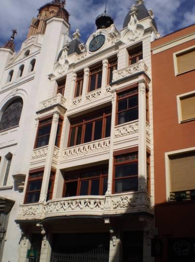 resized_Edificio antigua Las Tres Campanas 2011