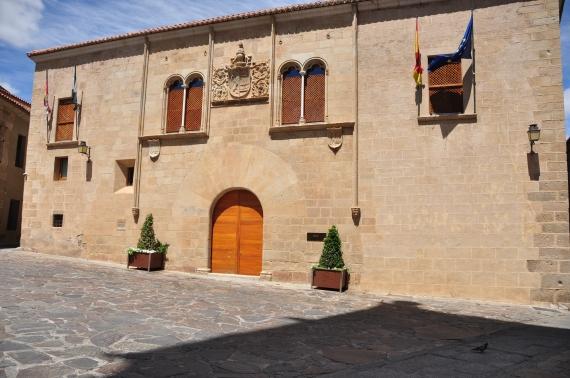 Palacio_de_Mayoralgo,_Cáceres