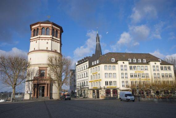 Plaza del Castillo Dusseldorf