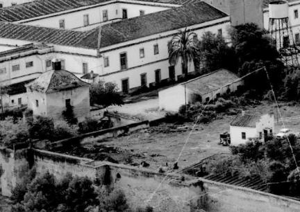 alcazaba-y-hospital-militar-en-zona-puerta-alpendiz-anos-60
