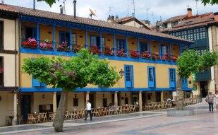 Oviedo_plaza_fontan