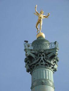 plaza-bastilla-paris-estatua