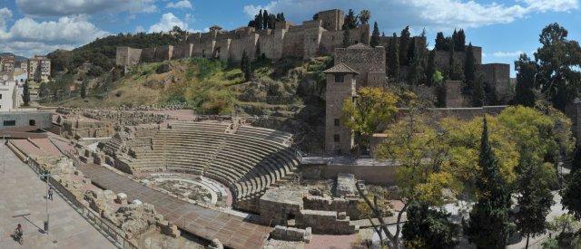 malaga-alcazaba-teatro-romano-de-dia