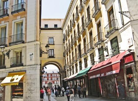 Calle_de_la_Sal_(Madrid)_01