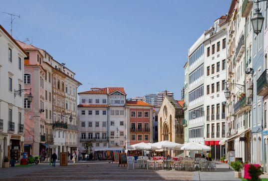 Plaza_del_Comercio,_Coímbra,_Portugal,_