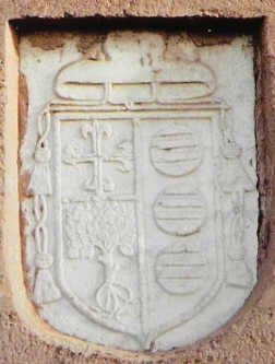 escudoobispo torre santa maria