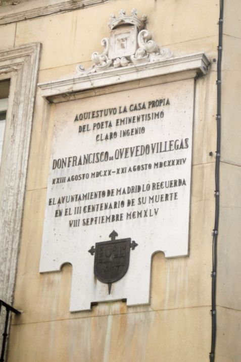 1503337596_placa_casa_quevedocasaquevedo